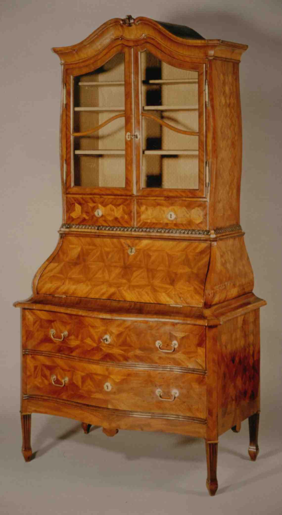 louis seize sekret re antiquit ten am alten hof m nchen. Black Bedroom Furniture Sets. Home Design Ideas