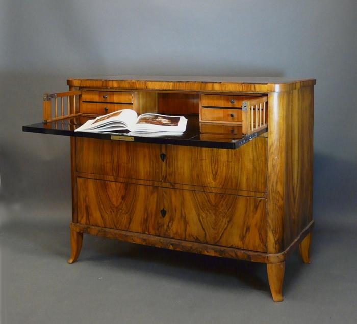 biedermeierm bel sekret re antiquit ten am alten hof m nchen. Black Bedroom Furniture Sets. Home Design Ideas