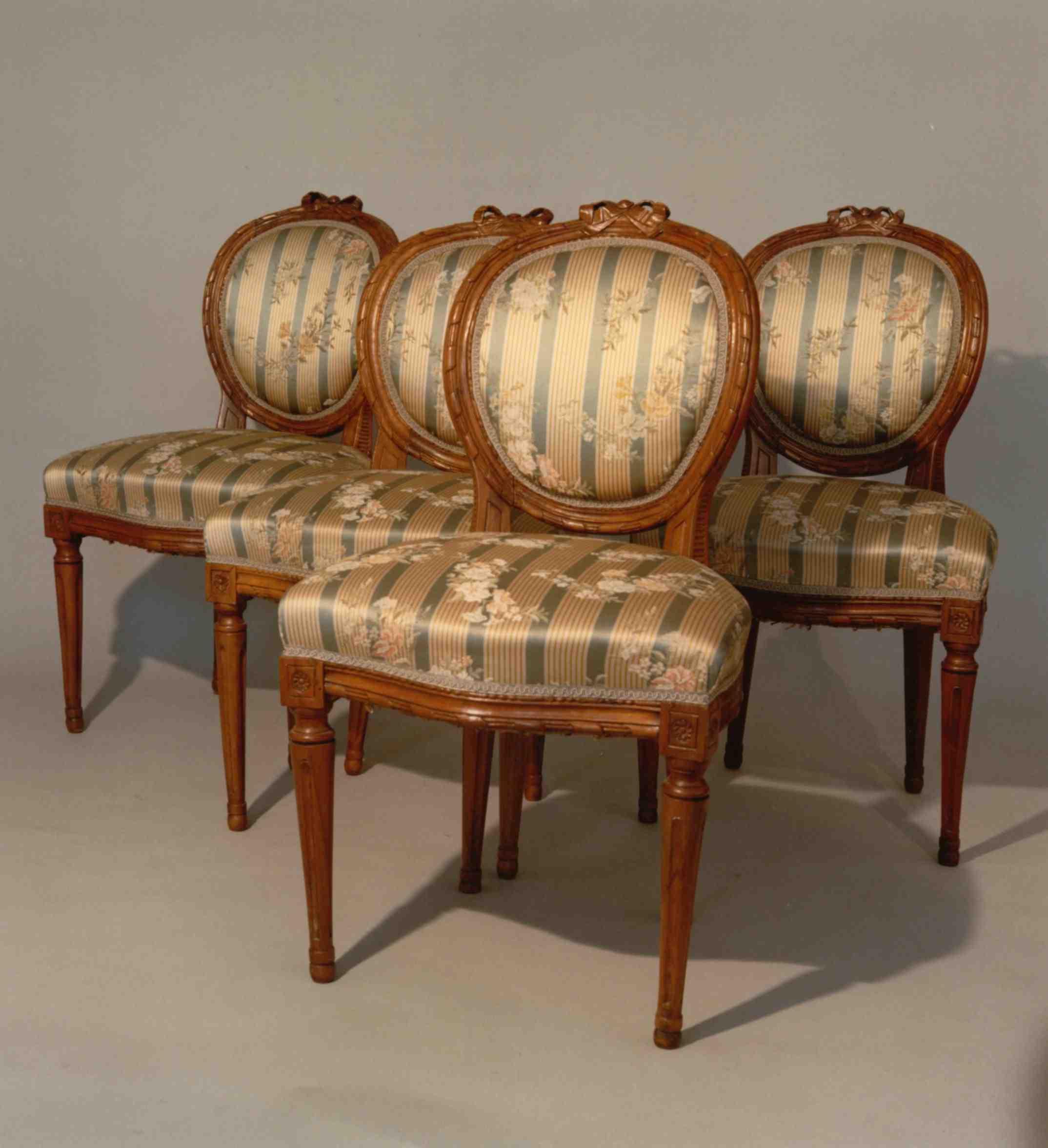 Louis Seize Stühle Sofas Antiquitäten Am Alten Hof München